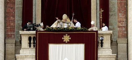 El Papa pidió consuelo para los pobres y fin a las guerras en la misa de Nochebuena