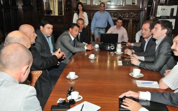 Escuchar a los que saben. Los concejales siguieron las disertaciones de ex militares israelíes y especialistas argentinos.
