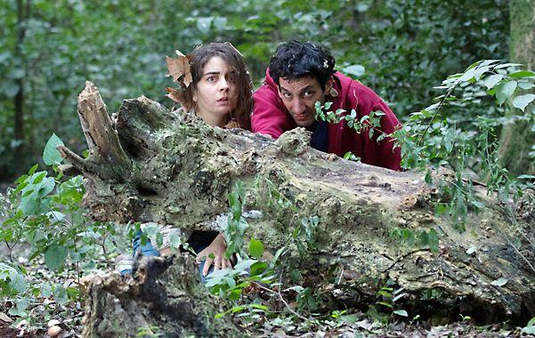 equipo. Rivas y Minujín interpretan a dos hermanos que salen en busca de su padre