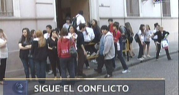Educación pidió a los alumnos de El Huerto que mañana concurran a clases