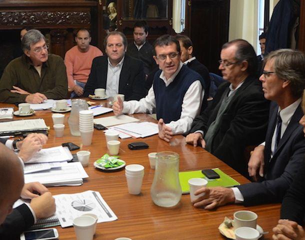 Asegurado y Seghezzo debatieron la ordenanza que regula la actividad noctura en Rosario.