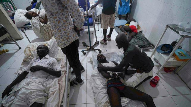 Suman casi 1.500 las muertes por el terremoto de Haití, que ahora sufre un ciclón tropical