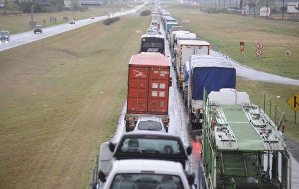 Los camioneros también acusan al gobierno provincial de incumplir un acuerdo de 2013.
