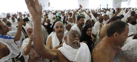 Una marea humana de musulmanes culmina la peregrinación a la Meca