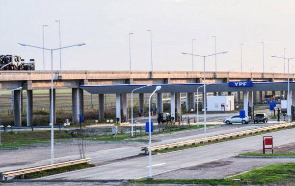 La estación de servicios tiene 16 mil metros cuadrados y da trabajo a más de 50 empleados menores de 30 años.