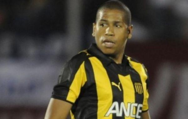 El aguerrido volante charrúa viene de jugar la Coipa Libertadores con Peñarol.