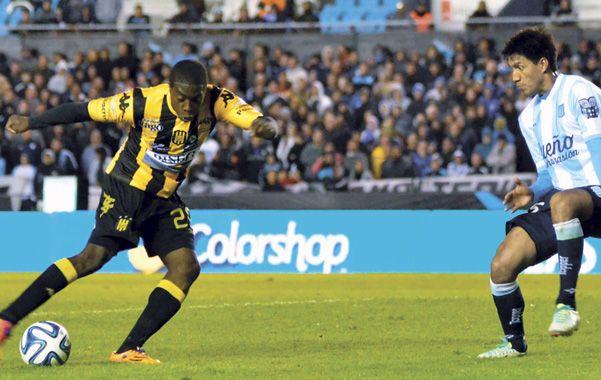 El colombiano José Valencia hoy firmaría su contrato con Central