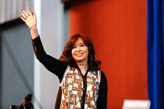 Cristina jugó de local al retomar la campaña en El Calafate