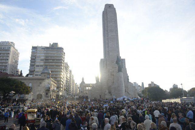 Masiva concentración en el Monumento en apoyo a la gestión de Macri