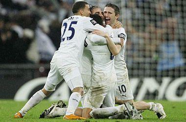 Multan a 16 jugadores del Tottenham por irse a una fiesta sin permiso