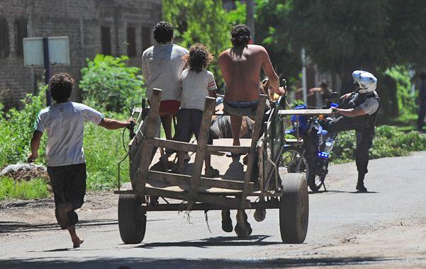 Denuncian que los carreros no respetan los sectores donde están habilitados para funcionar. (Foto: Rodríguez Moreno)