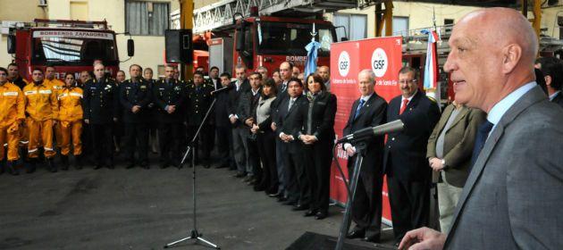 Los bomberos fueron homenajeados hoy al mediodía en el cuartel de Córdoba al 2800.