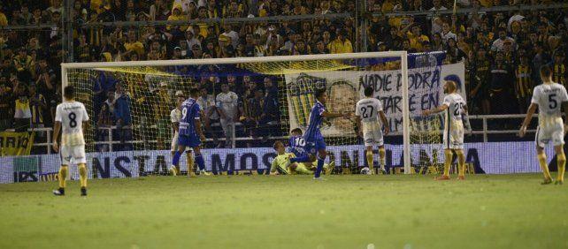 La defensa canalla falló en la salida y Godoy Cruz no perdonó para llevarse los tres puntos.