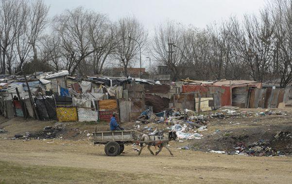 Luz roja. La cantidad de ocupantes de asentamientos irregulares aumentó