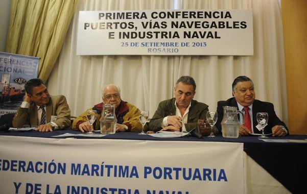 Cumbre. Los gremios vinculados a la navegación se reunieron en Rosario.