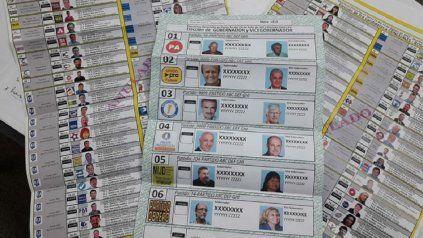 Con 55 listas anotadas para el Concejo, la boleta única en Rosario medirá más de medio metro.