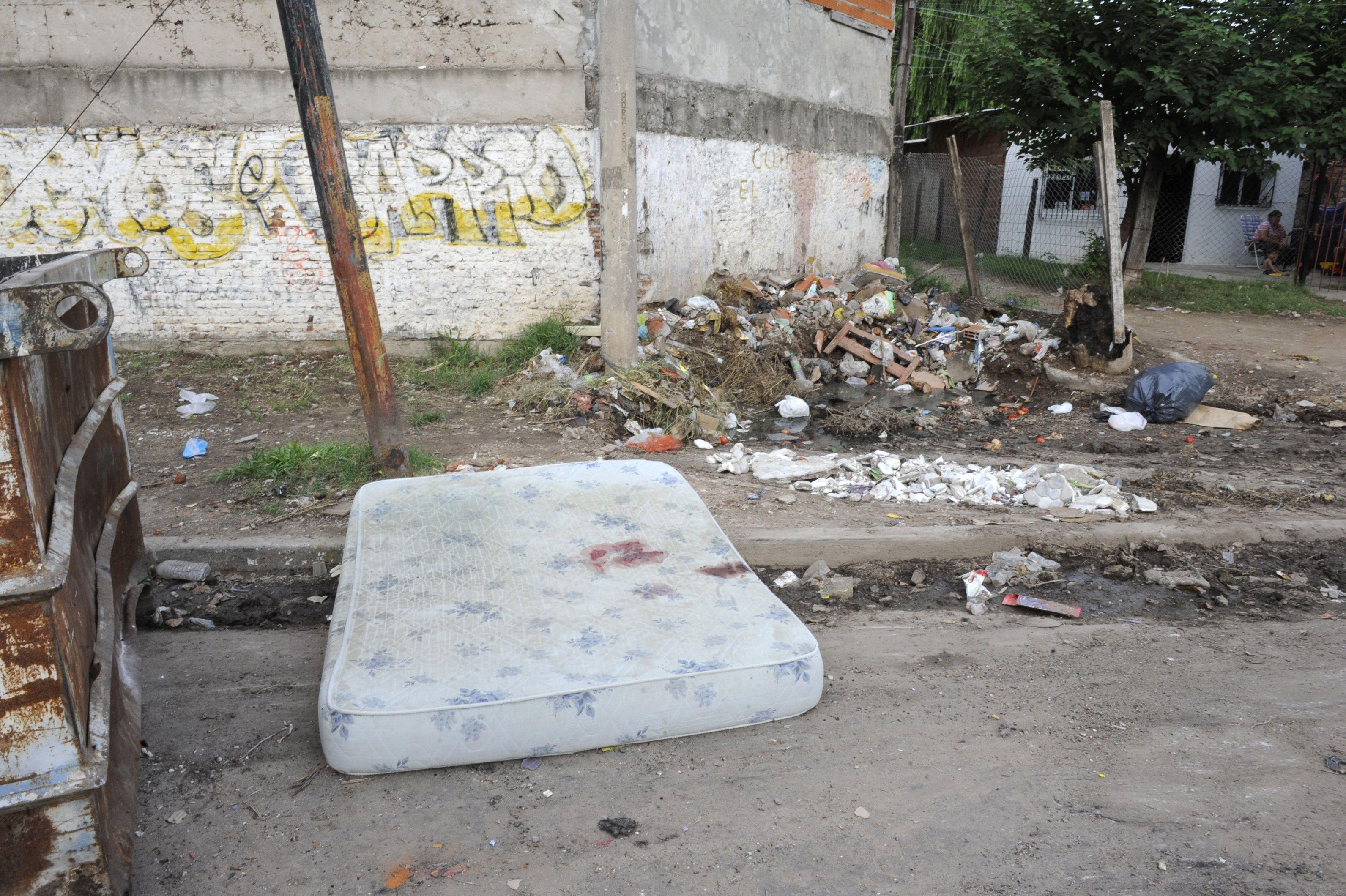 Marcos cayó malherido en la cama de una casilla en la que intentó guarecerse de quienes lo perseguían. (Foto: Bustamante)