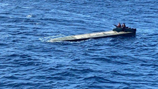Un semisumergible interceptado en Colombia llevaba dos toneladas de cocaína
