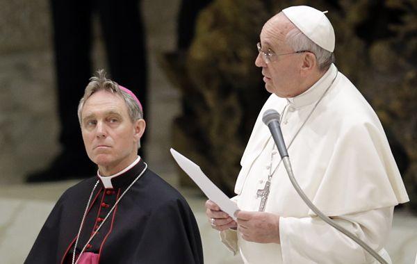 El papa habló en una conferencia que reunió a altos responsables de la iglesia y de la policía de 20 países. (Foto: AP)