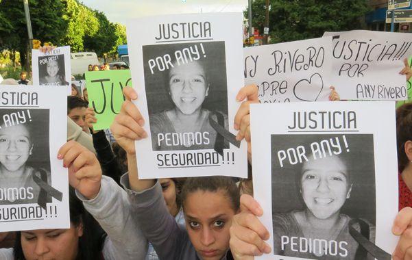 Ya se realizaron tres marchas pacíficas con el objeto de que se esclarezcan los hechos que llevaron al trágico final. (A.Celoria)