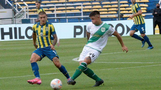 Banfield fue uno de los equipos que más sufrió los contagios en el plantel. En Rosario enfrentó a Central diezmado por ello y cayó 3 a 1.
