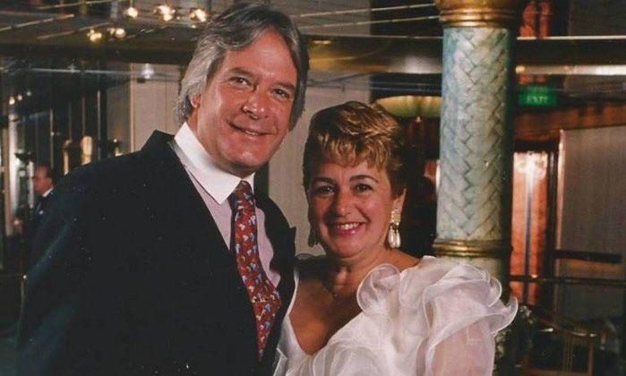 Víctima. Regina Whisper junto a su esposo