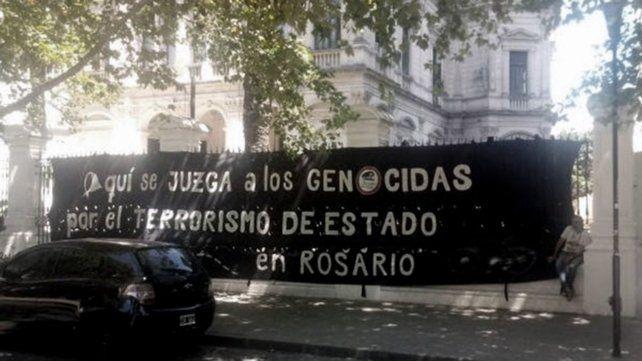 Piden perpetua para un ex militar y 3 ex policías de Rosario acusados por delitos de lesa humanidad