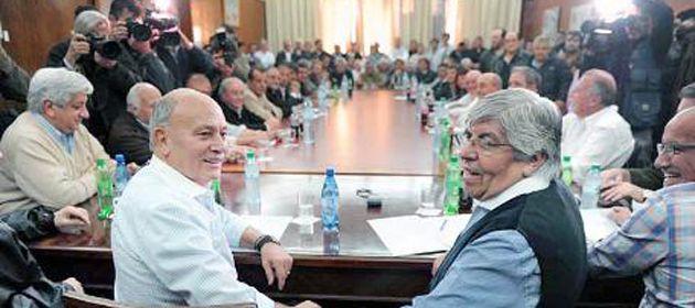 Algunos sindicatos cuestionan la reunión del consejo directivo que citó al congreso para renovar sus autoridades.