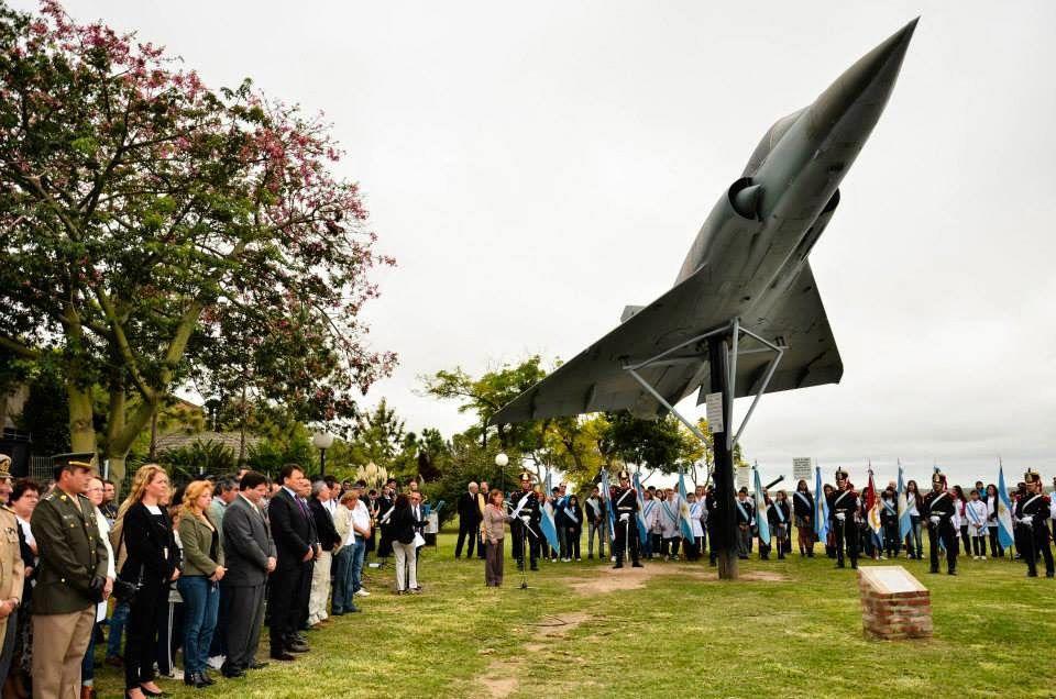 La ciudad de San Lorenzo inauguró un monumento alusivo al combate en las islas.