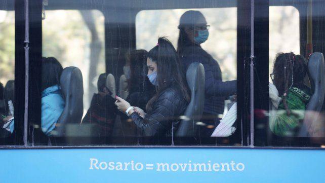 Cobraron los choferes y finalmente no habrá paro de colectivos en Rosario