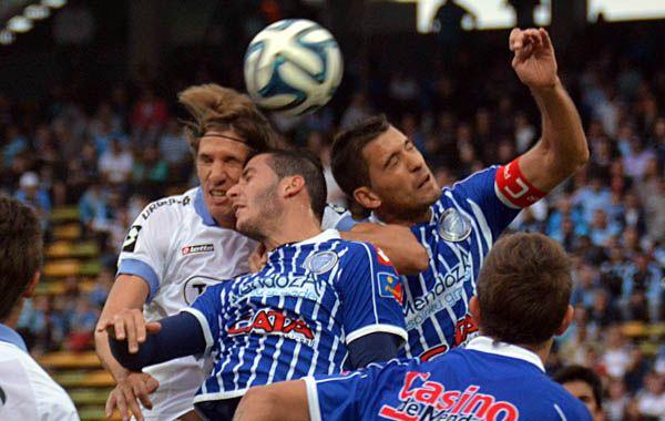 Facundo Castillón y Leandro Grimi marcaron los goles del conjunto mendocino.