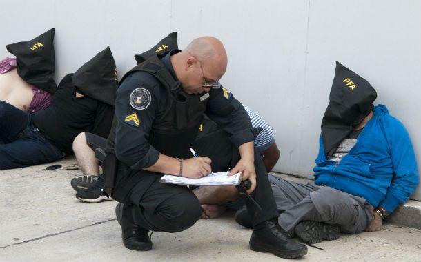 Preventivo. La policía detuvo hace unos días a varios colombianos que portaban armas de fuego.