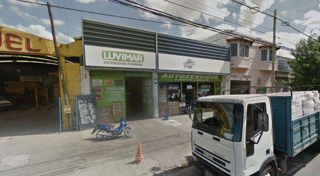 Irrumpen armados en una distribuidora y se llevan 300 mil pesos de manera violenta