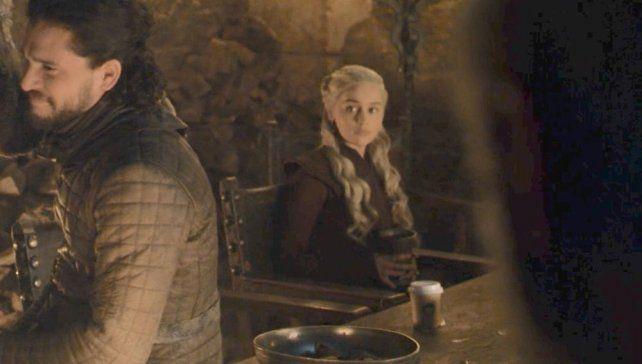 Un vaso de Starbucks se coló en Games of Thrones y estallaron las redes