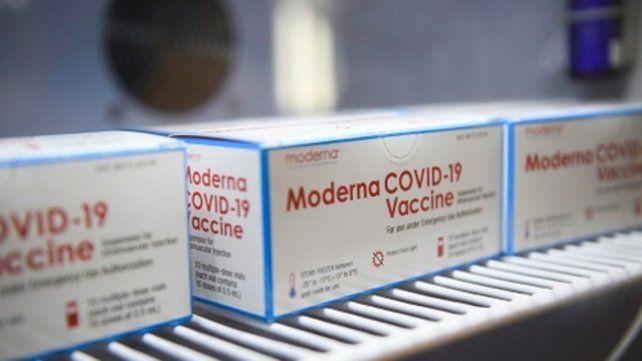 Unas 117 mil dosis de Moderna llegan a Santa Fe este fin de semana y se usarán para completar esquemas.