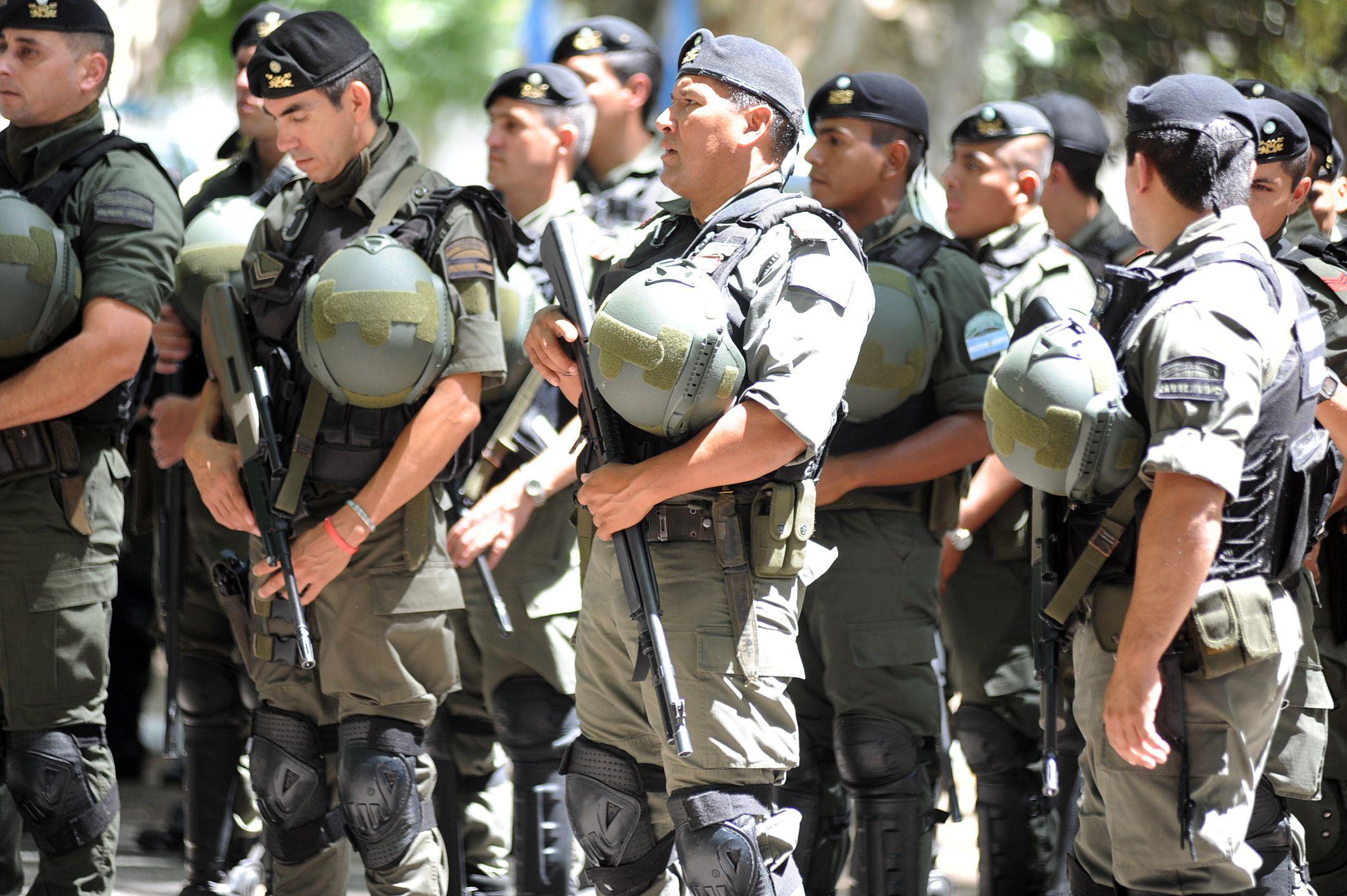 El precandidato a gobernador Miguel Lifschitz dijo que se ha hecho un mito con la Gendarmería en Rosario.