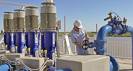 Kuwait otorgaría un crédito para la construcción de acueductos