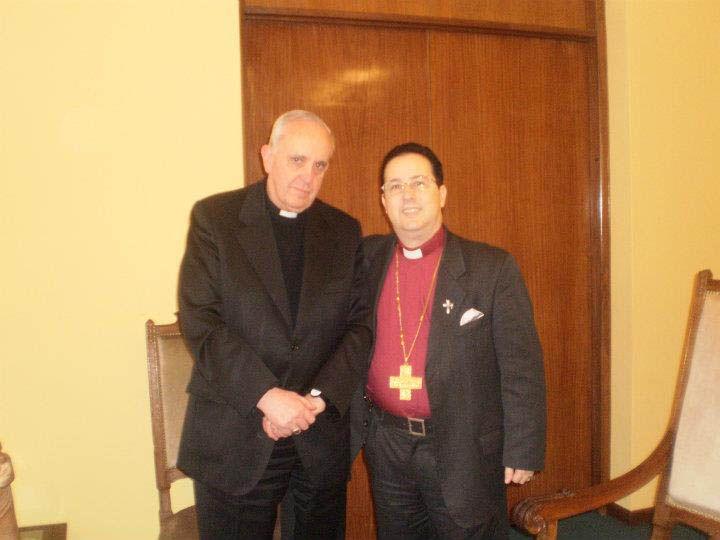 Especialista. El obispo Manuel Acuña