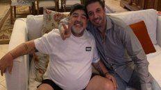 Sólo apariencias. Diego Maradona junto al abogado Matías Morla, quien hoy está duramente cuestionado.