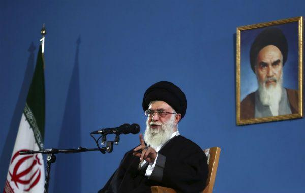 Negativa. El ayatolá Jamenei es la instancia final de todas las decisiones importantes en Irán.