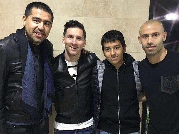 La fotografía que se filtró en las redes sociales del encuentro de Riquelme con Messi y Mascherano.