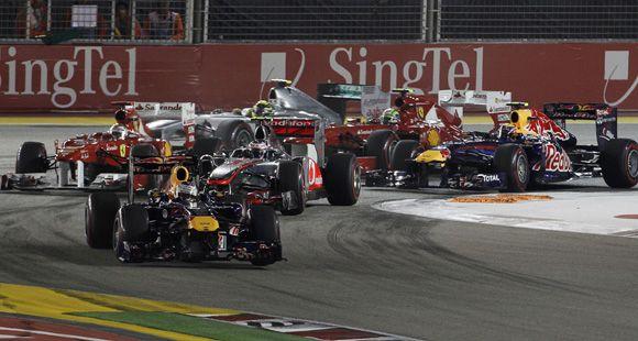 Vettel ganó de punta a punta en Singapur y acaricia el bicampeonato