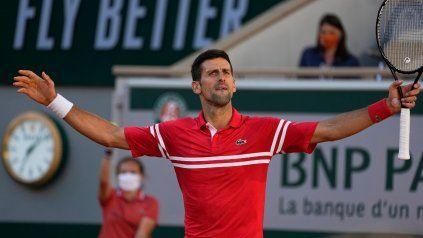 Djokovic es el nuevo campeón de Roland Garros tras revertir la final ante el griego Tsitsipas