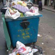Los contenedores no dan abasto y desbordan de basura
