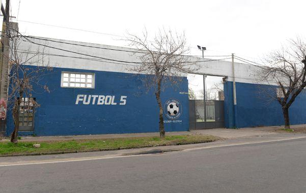 El complejo. La noche del martes el fútbol se interrumpió por los tiros en las canchitas de Arijón 30 bis.