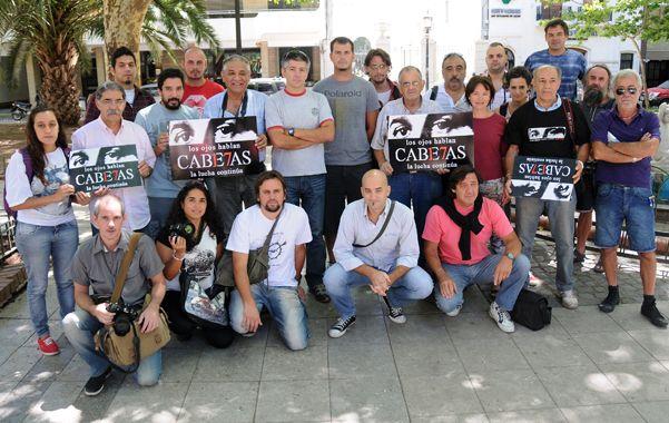 Presente. Los reporteros gráficos de Rosario no se olvidan de Cabezas.