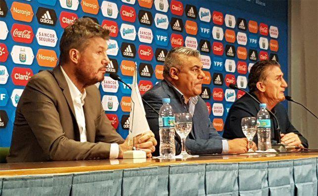 La conferencia de prensa tuvo a Tinelli