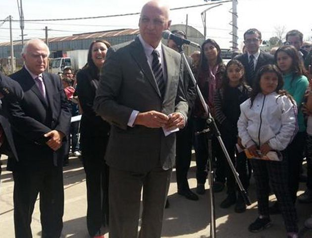 El gobernador Antonio Bonfatti participó hoy de la inauguración del nuevo acceso a la ciudad por Ovidio Lagos.
