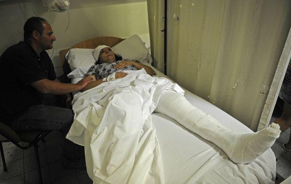 Pesadilla a bordo. Miriam sufrió fractura de tobillo y cortes en la cabeza.