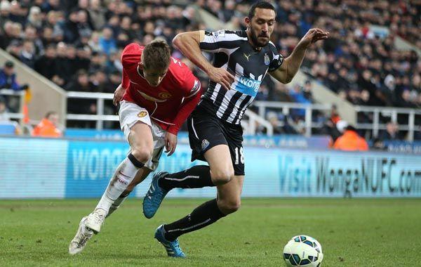 El Galgo reapareció en la derrota de su equipo ante Manchester united.